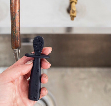 uki.be spoon and toothbrush (first stage), black